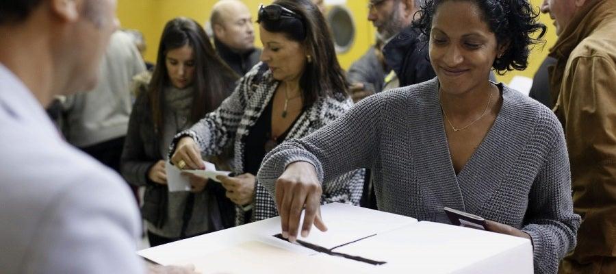 El proceso de votación del 9N se ralentiza al no existir un censo