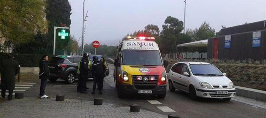 Efectivos del Summa y agentes de Policía Nacional que han atendido al hombre fallecido