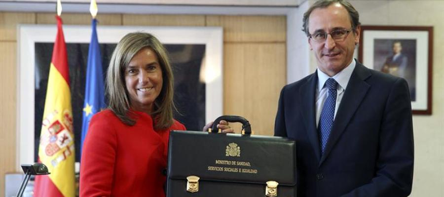 Ana Mato y Alfonso Alonso, en el traspaso de carteras