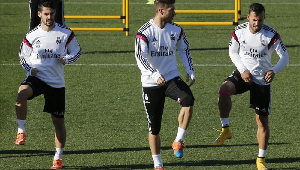 Jesé, Sergio Ramos e Isco en el entrenamiento