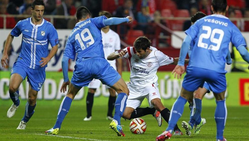 El Sevilla vence y se clasifica como segundo para los dieciseisavos