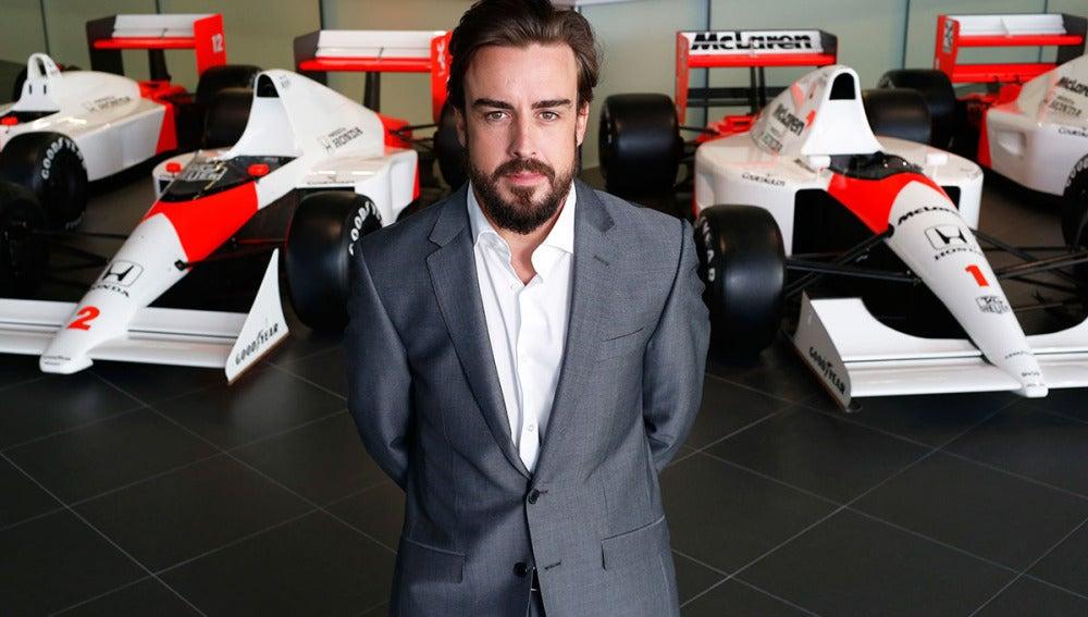 Alonso, en la sede de McLaren-Honda en Woking