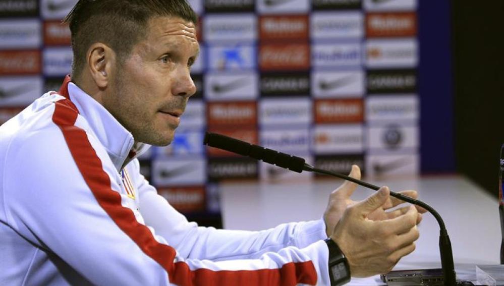 Simeone, ante la prensa