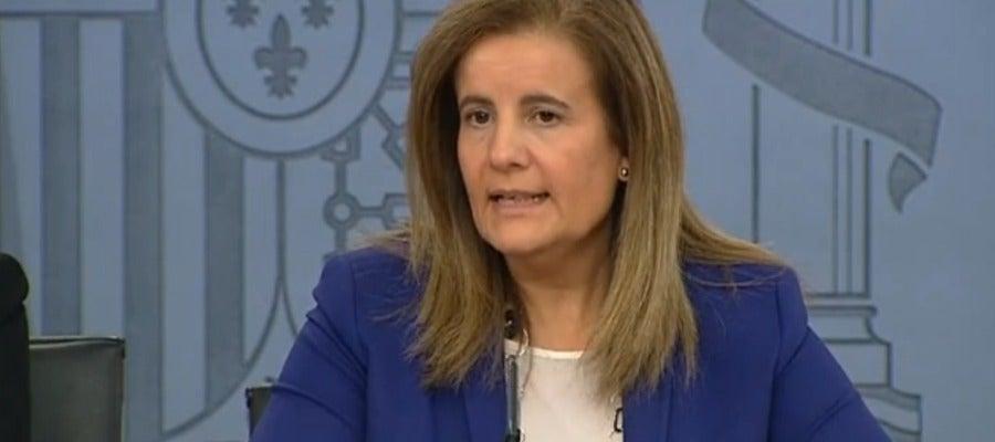 Fátima Báñez en rueda de prensa