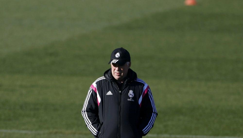 Ancelotti contempla un entrenamiento