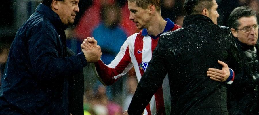 Torres saluda a Simeone y al Mono Burgos