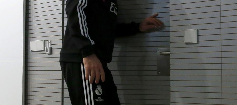 Ancelotti sale de la rueda de prensa