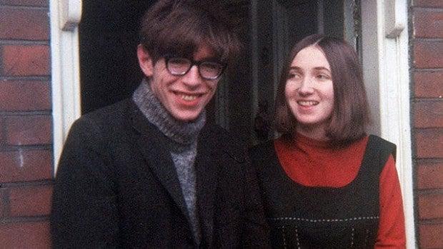 Mujeres con Historia: Jane Wilde, la mujer de Stephen Hawking