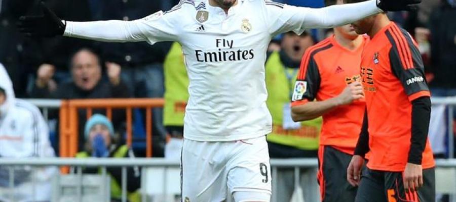 Karim Benzema, tras a notar un gol en el Santiago Bernabéu