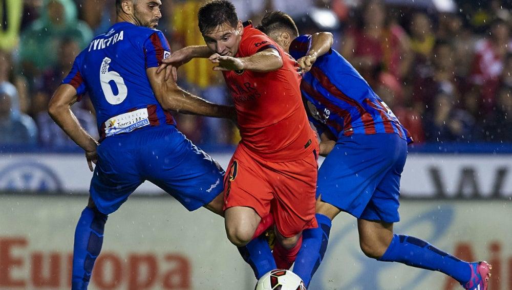 Lionel Messi busca zafarse de Vyntra