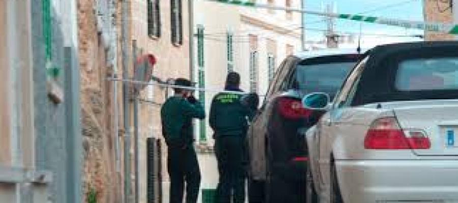 Agentes de la Guardia Civil en Alcudia