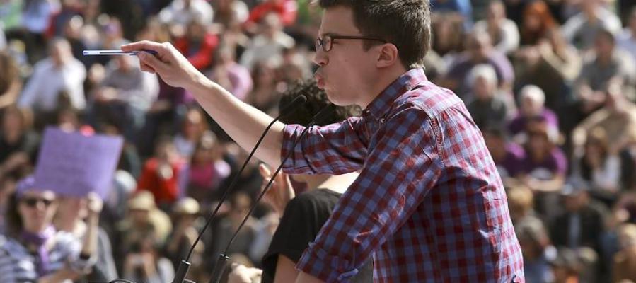 Íñigo Errejón en un acto electoral en Granada