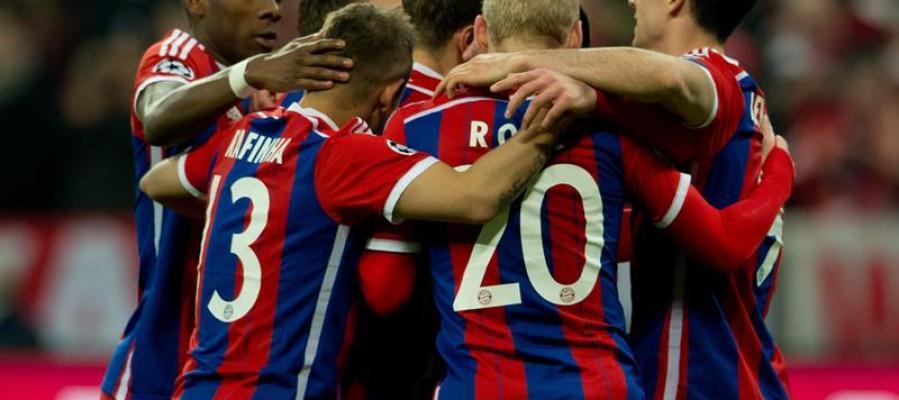 El Bayern Munich celebra un gol de Mueller