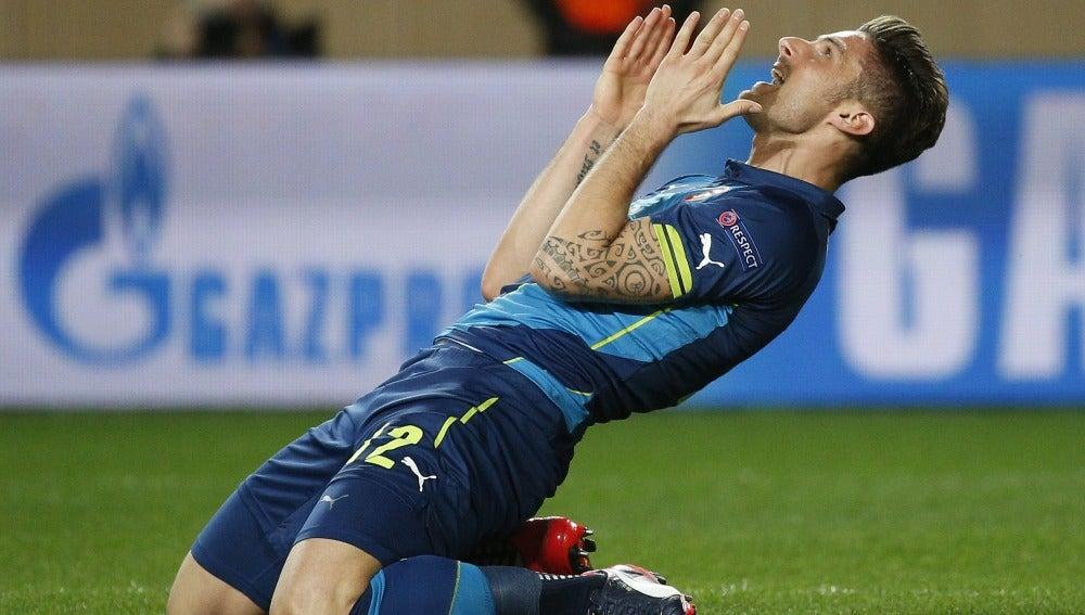 Olivier Giroud con el Arsenal