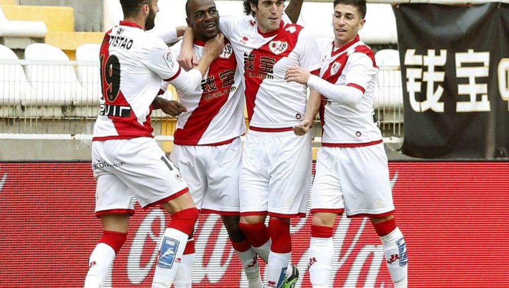 El Rayo celebra un gol de Kakuta