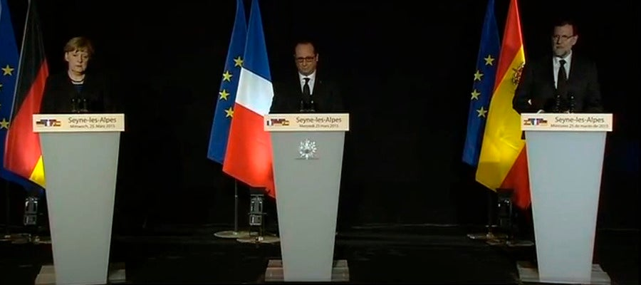 Angela Merkel, François Hollande y Mariano Rajoy en rueda de prensa