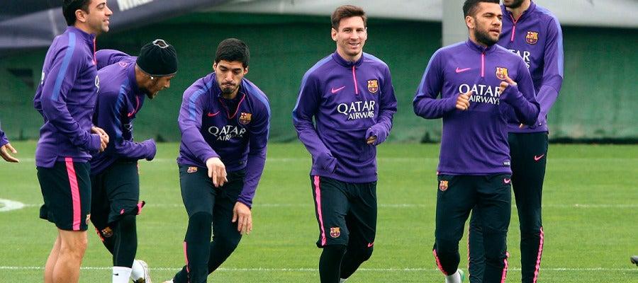 Messi, con Piqué, Neymar, Alves, Suárez y Xavi