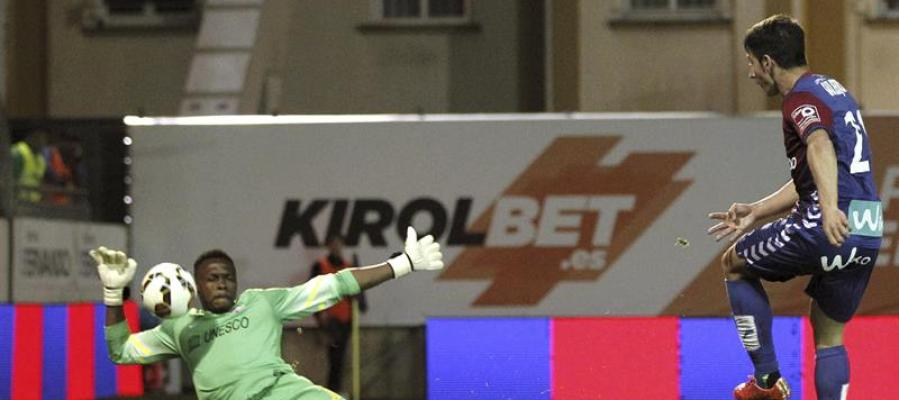 El Eibar anota un gol al Málaga