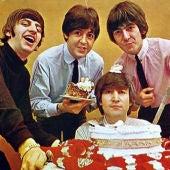 Ay, los Beatles, que majos elos, y que bien sabe la comida cuando los escuchamos.