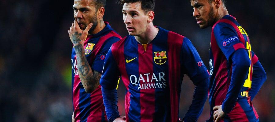Messi, junto a Neymar y Alves