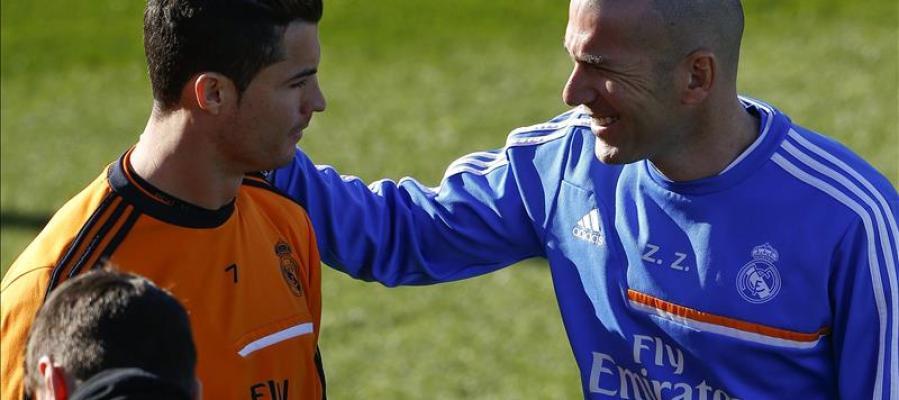 Zidane y Cristiano Ronaldo durante un entrenamiento