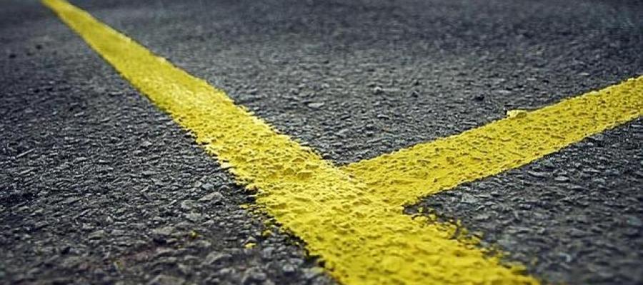 Lineas amarillas marcando una frontera