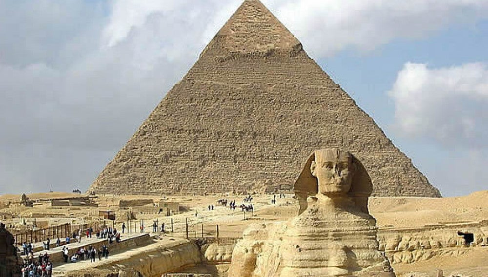 Esfinge y Pirámide de Giza - El Cairo