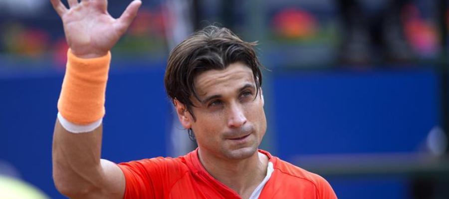 David Ferrer saluda en el torneo Conde de Godó