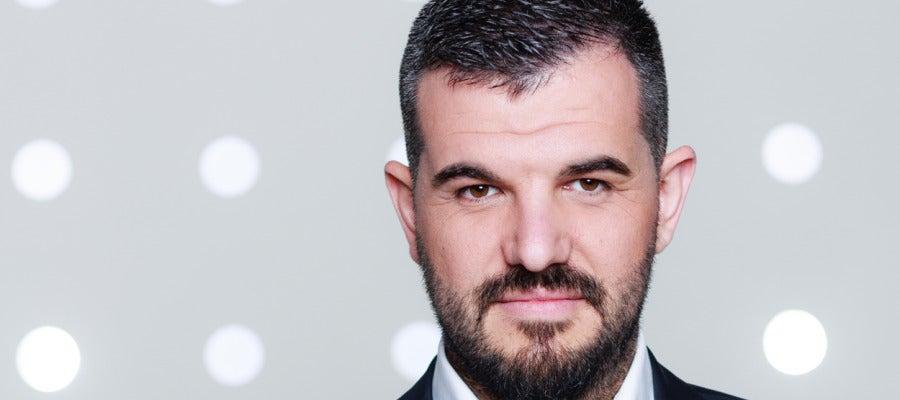 Héctor Fernández, presentador de Al Primer Toque