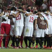 El Sevilla celebra la victoria ante la Fiorentina