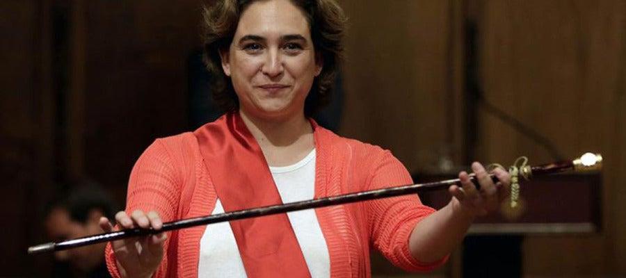 La candidata de Barcelona en Comú  proclamada primera alcaldesa de la capital catalana