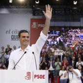 Pedro Sánchez durante su reunión con el PSOE