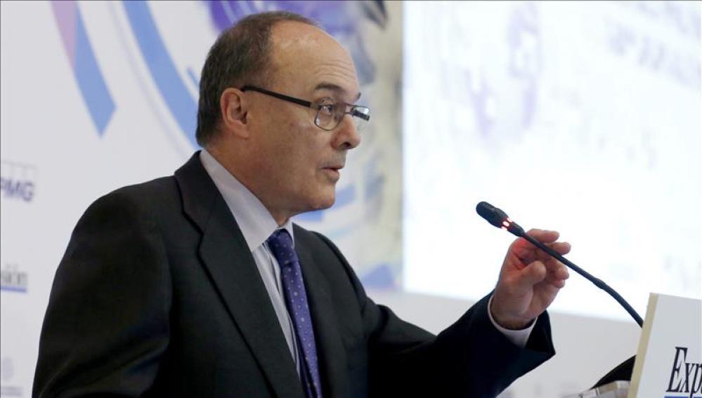 Luis María Linde, del Banco de España.