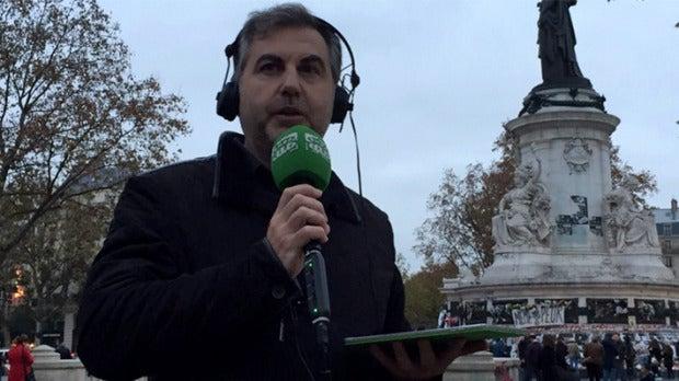 Carlos Alsina amanece en París tras los atentados