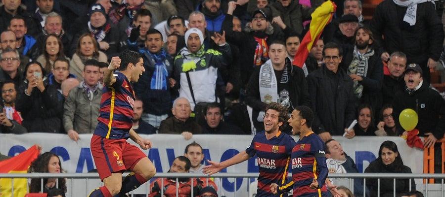 Luis Suárez, Neymar y Sergi Roberto celebran un gol