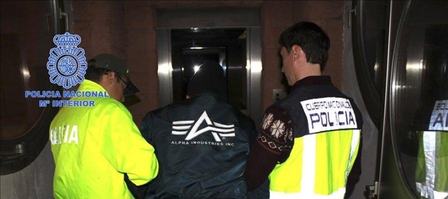Fotografía facilitada por la Guardia Civil de la detención de Héctor Albeidis