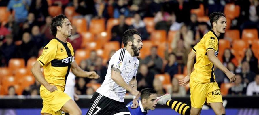Negredo volvió a jugar y se reencontró con el gol en Mestalla