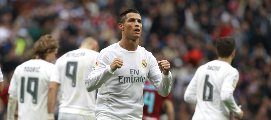 Cristiano Ronaldo celebra su primer gol contra la Real Sociedad