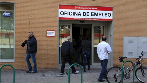 El paro sube en noviembre en 24.841 personas hasta 3.789.823 desempleados