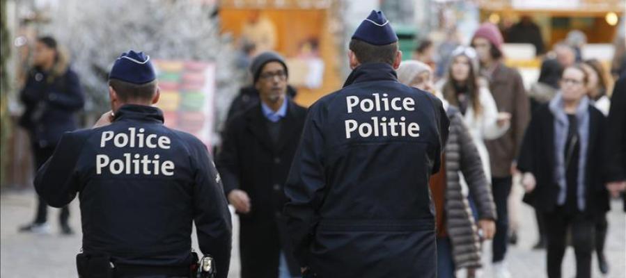 La Fiscalía belga confirma el hallazgo de cinturones, explosivos y una huella de Salah Abdeslam