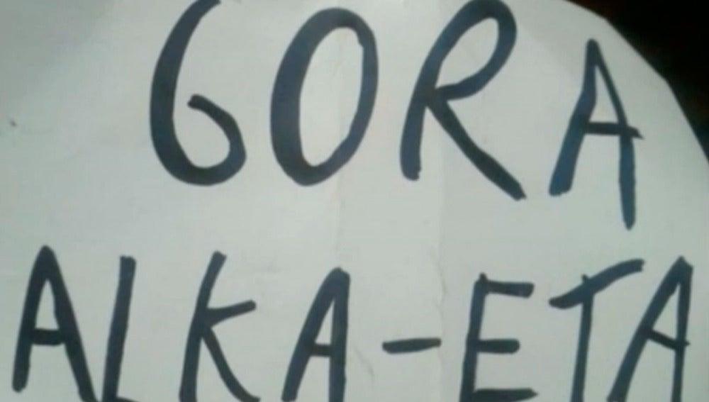 Cartel de la obra de los titiriteros de Madrid