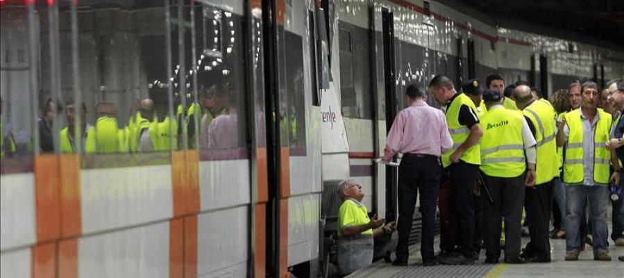 Suprimida la circulación de trenes en Barcelona por humo en los túneles