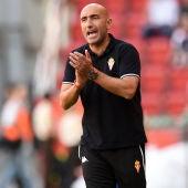 Abelardo durante un partido con el Sporting de Gijón