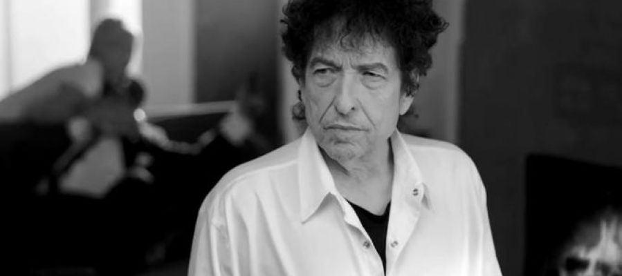 Bob Dylan, en el videoclip de 'The night we called it a day'