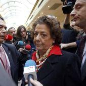 La senadora y exalcaldesa de Valencia, Rita Barberá, a su llegada al Senado