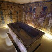 Fotografía de archivo que muestra el interior de la cámara funeraria de Tutankamón