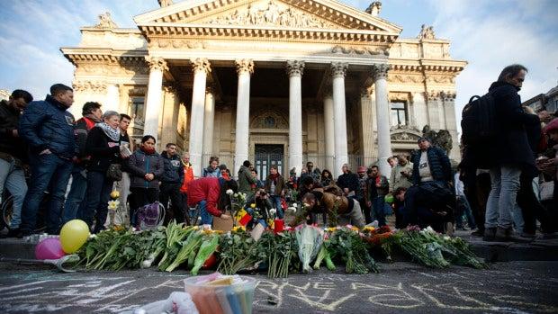 Cientos de personas salen a las calles de Bruselas para mostrar su solidaridad con las víctimas del atentado