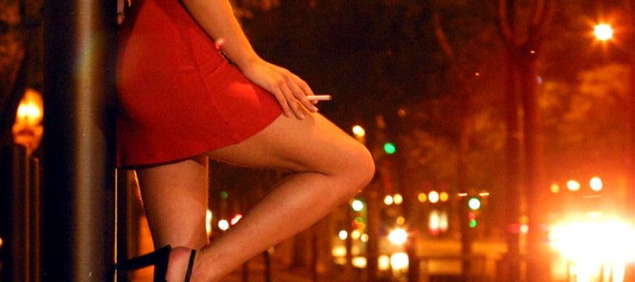Una mujer ejerciendo la prostitución.