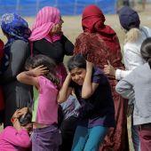 Refugiados reaccionan al ver cazas sobrevolar el campo de refugiados