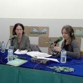 Set de radio de Onda Cero Galicia instalado no Salón do Libro de Pontevedra